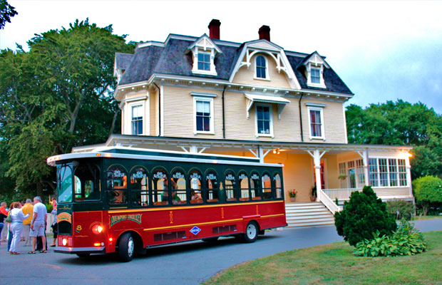 newport-daily-trolley-tours